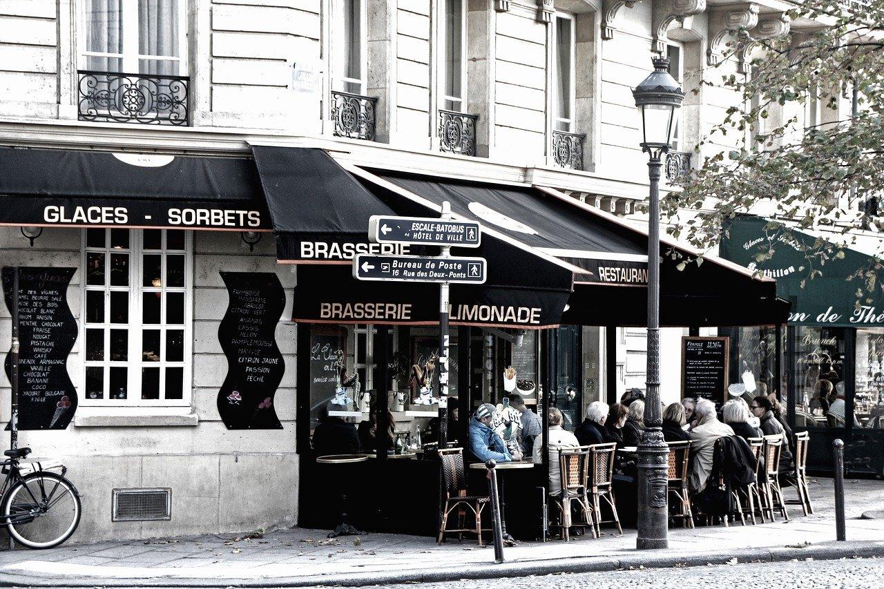 Le gouvernement espère voir fleurir les réouvertures de cafés et de restaurants