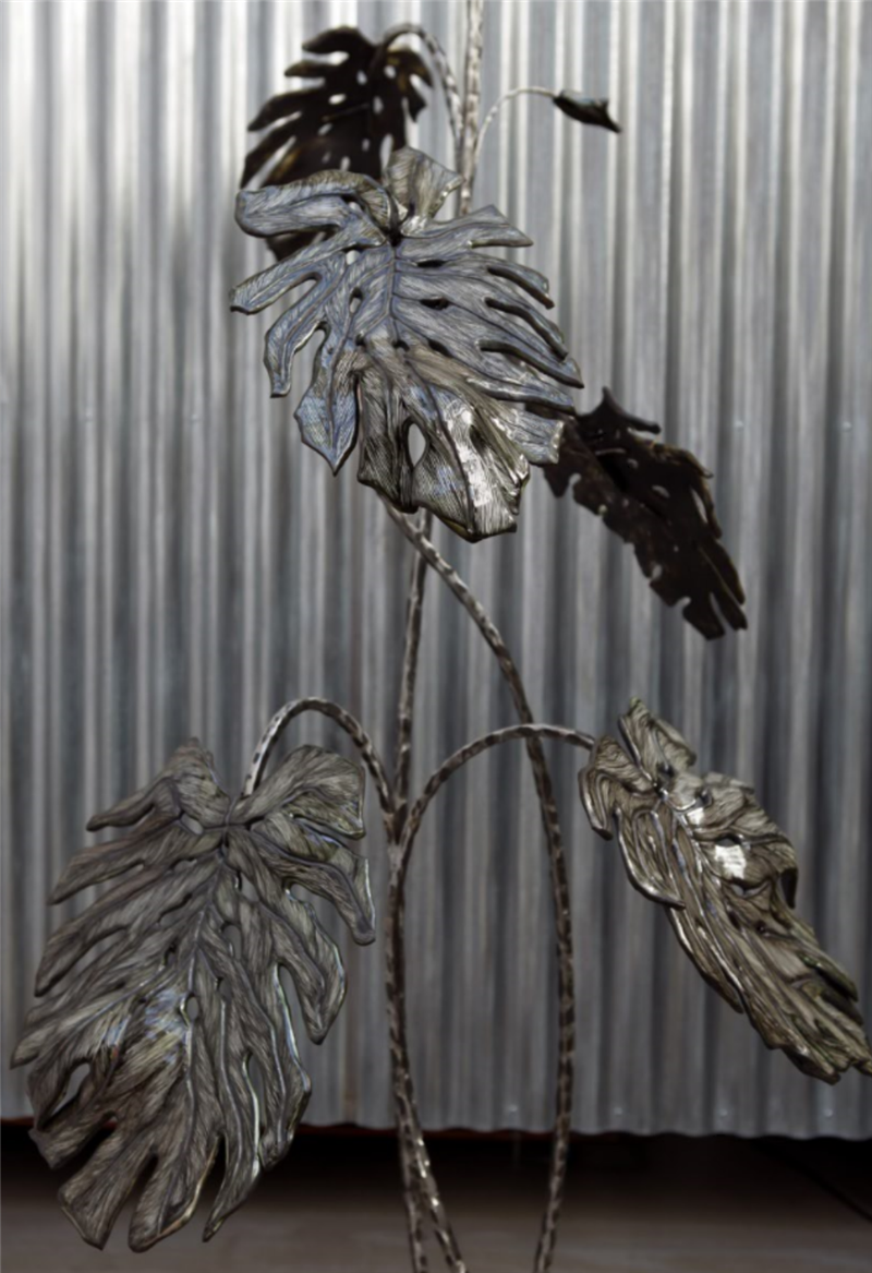 Céramique sculpturale, feuille de céramique et tiges métalliques I & II, 'Monstera Deliciosa'