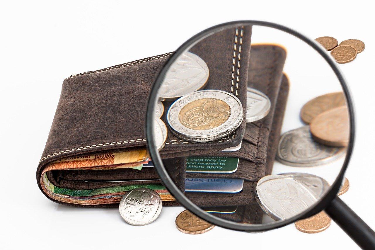 Le salaire net mensuel médian en France se rapproche des 2.000 euros