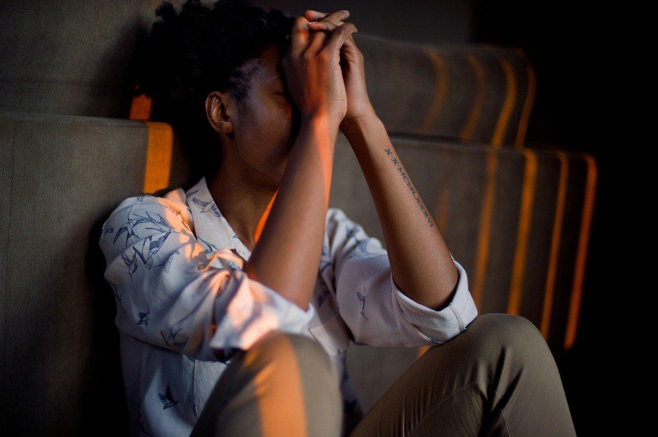 Charge mentale professionnelle : les mères de familles et les jeunes cadres les plus touchés