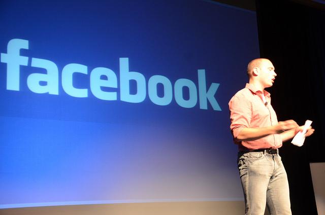 Facebook charme de moins en moins les ados