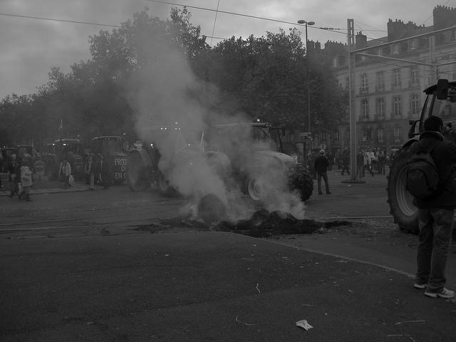 La dernière manifestation des bonnets rouges à Quimper a réuni entre 15 000 et 30 000 opposants à la politique fiscale du gouvernement.