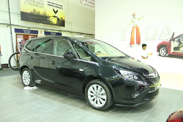 L'Opel Zafira, de General Motors, sera produite à partir de 2014 dans l'usine PSA de Sochaux.