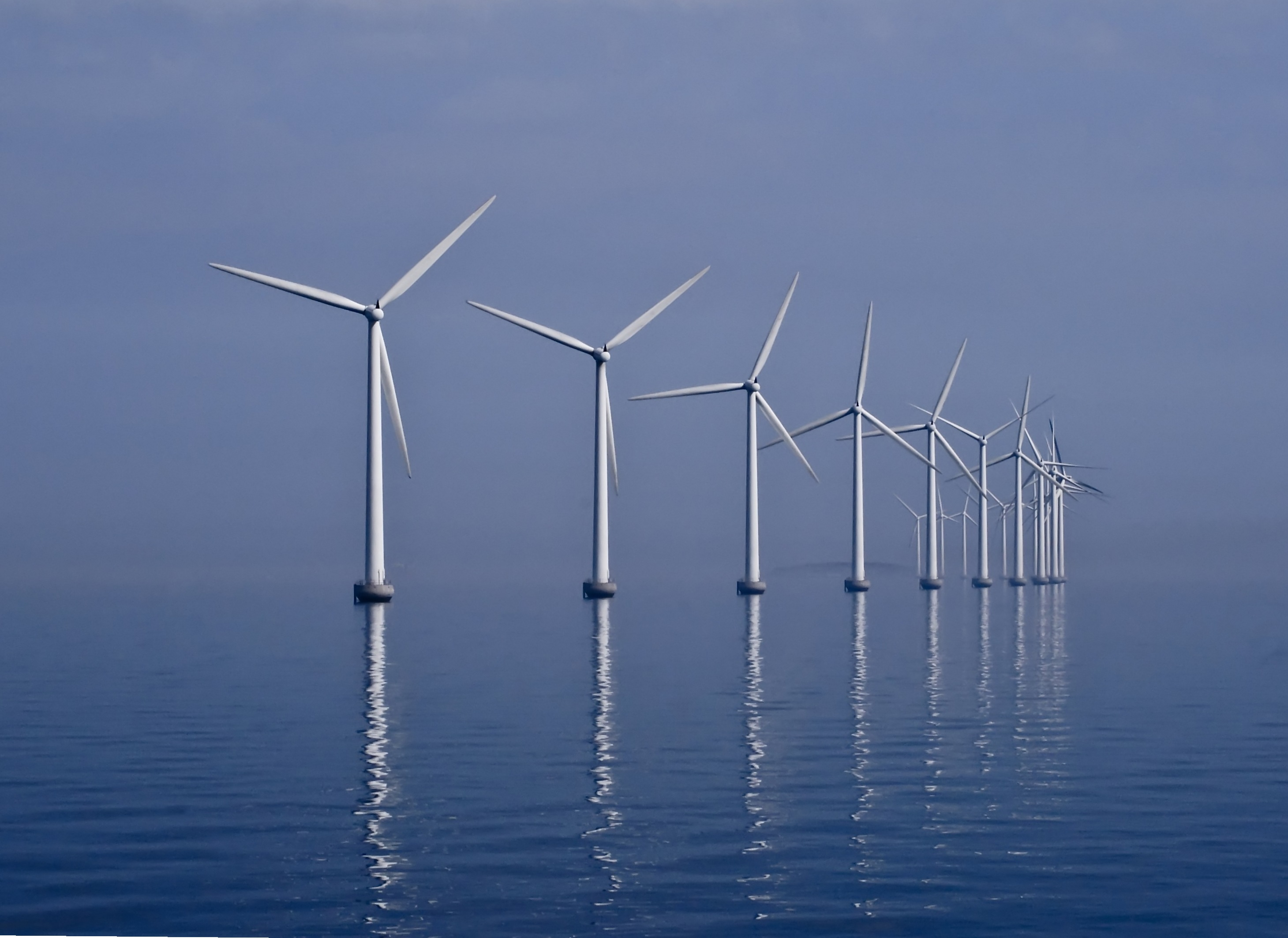 Champs d'éoliennes offshore de Middelgrunden, dans l'Øresund (Photo by Kim Hansen)