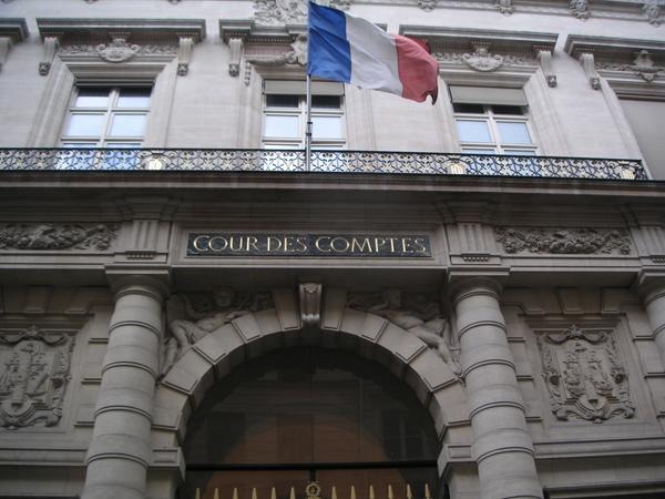 La Cour des Comptes met en garde contre un dérapage des dépenses publiques