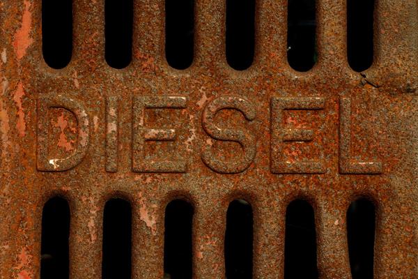 Bonus écologique en baisse, ventes de voitures électriques en berne