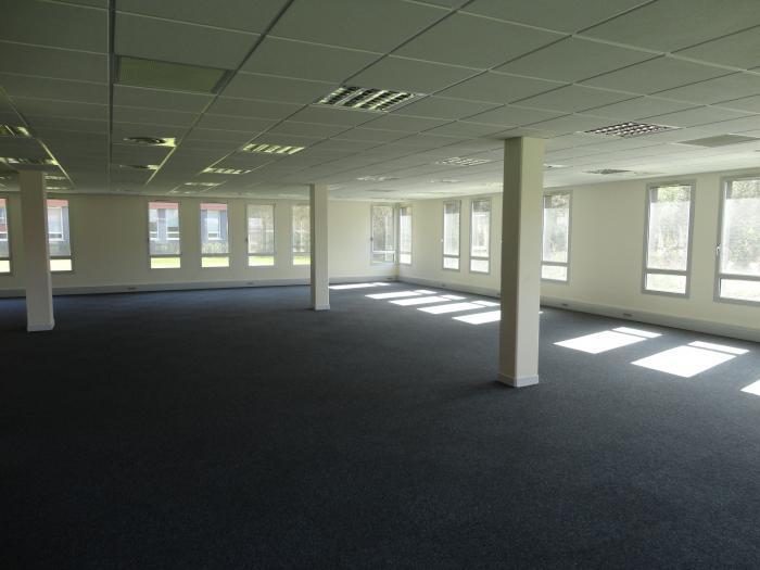 Que voilà un magnifique loft pour bobos dans d'anciens bureaux !