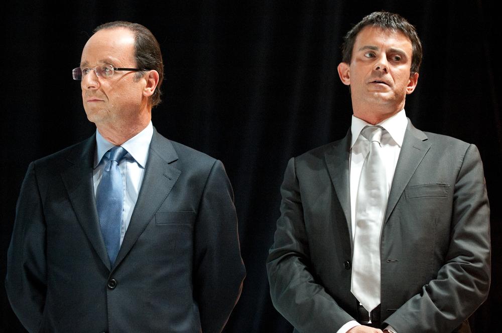 Manuel Valls présente la démission de son gouvernement, François Hollande le reconduit