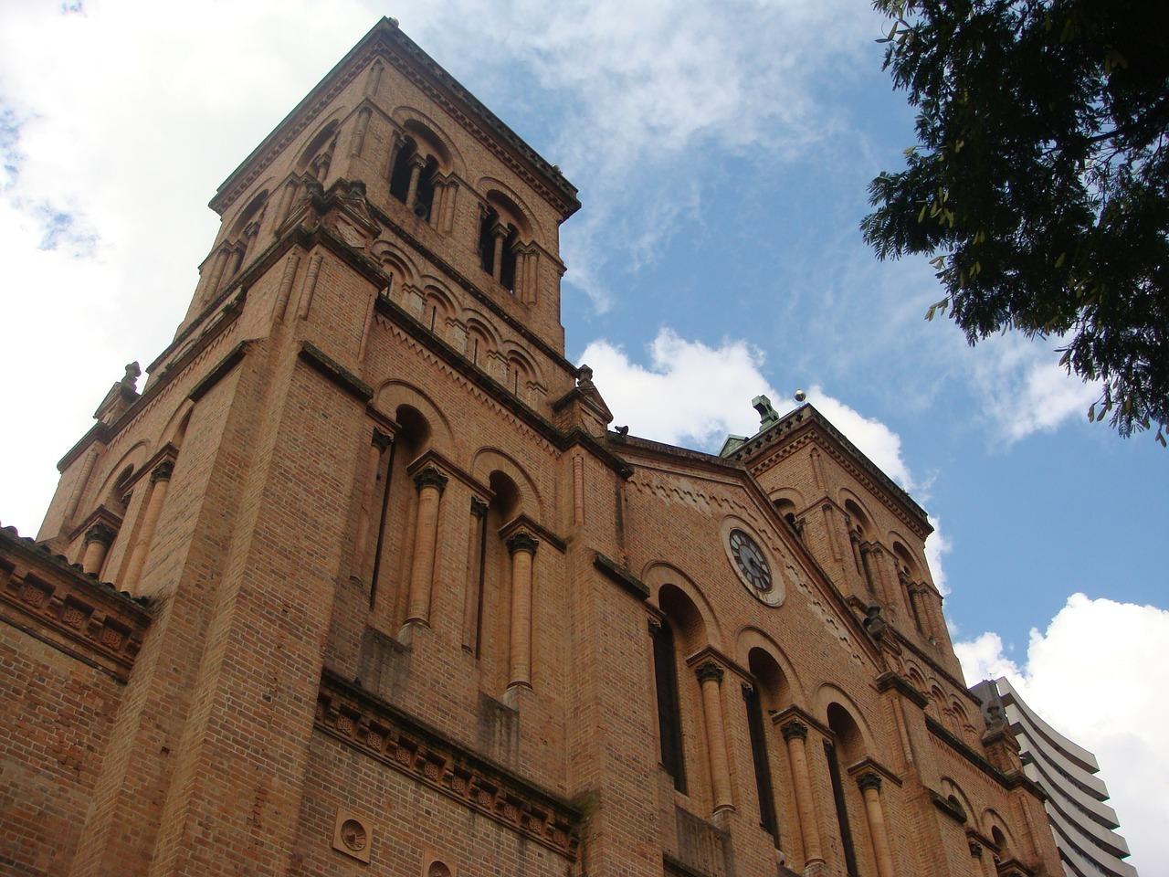 Cathédrale de Medellin (Crédit : Pixabay / Julianza)