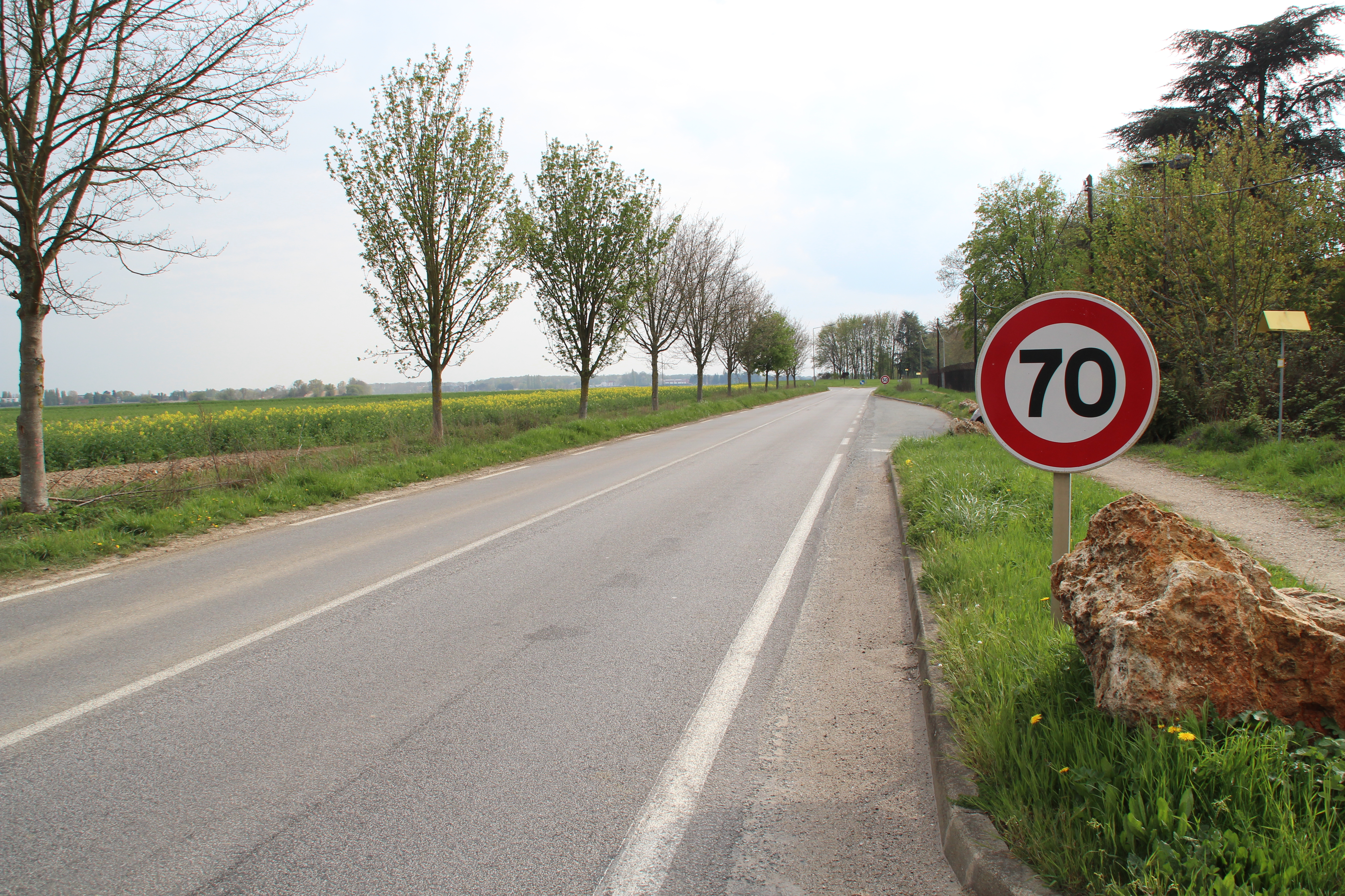 Route départementale en Essonne, crédit : Wikipedia