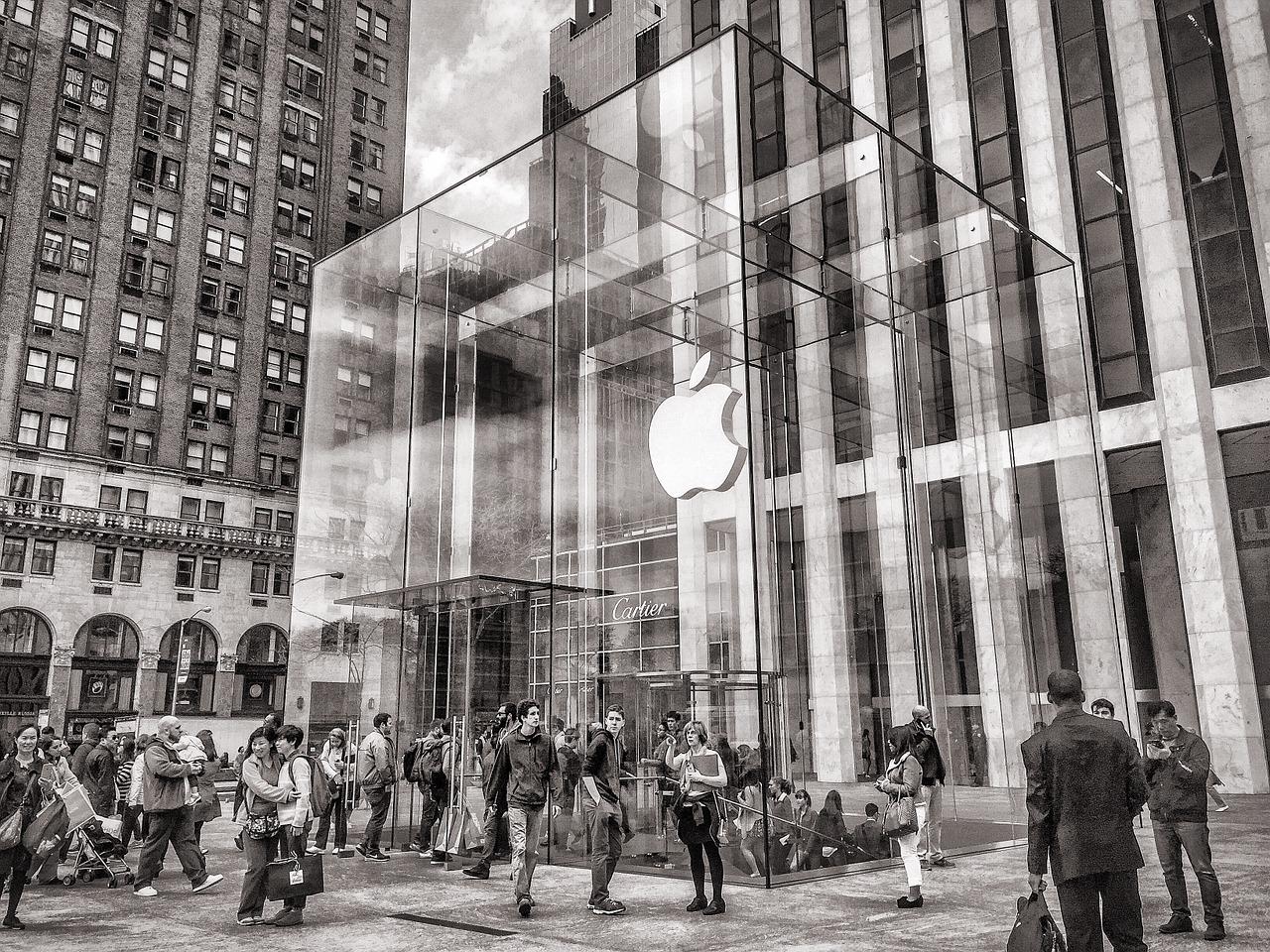 Warren Buffett investit un milliard de dollars dans Apple