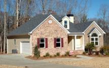 Prêts immobiliers : l'emprunteur moyen gagne 4 360 euros par mois