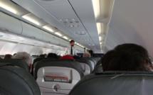 Transport aérien : des sièges pour voyager… debout