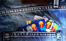 À l'étranger, mieux vaut utiliser une banque en ligne