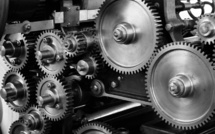 Semi-conducteurs : la pénurie frappe de plein fouet l'industrie automobile