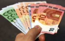 Consommation : Bruno Le Maire ne veut pas envoyer de chèques aux ménages