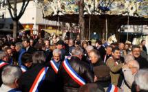 Les élus locaux rejouent les Etats Généraux de 1789 à Matignon