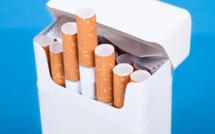 Tabac : le paquet de cigarettes neutre débarque en France