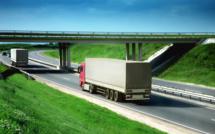 Taxe poids lourds : les routiers menacent d'une grève reconductible