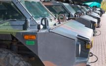 Défense : les armées vont perdre 7 500 postes