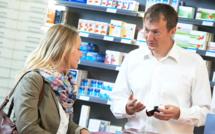 Emmanuel Macron : pas de vente de médicaments sur ordonnance dans les grandes surfaces