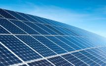 Les Pays-Bas créent la première piste cyclable solaire
