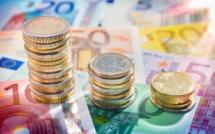 L'euro en chute face au dollar au plus bas depuis 9 ans
