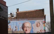 """Entretien avec Noam Chomsky : """"le marché des relations publiques, une industrie de propagande"""""""