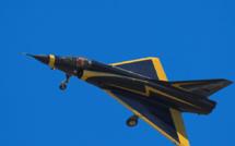 Serge Dassault achète un Mirage aux enchères